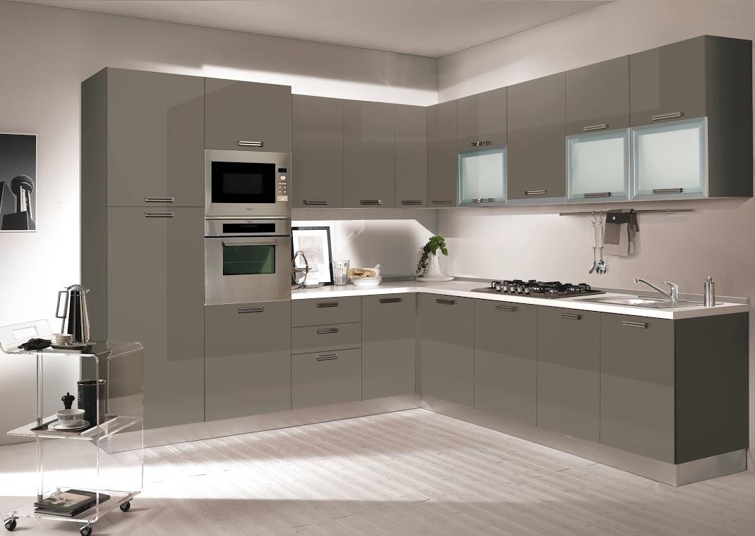 Noua gama de bucatarii quattro mobili acum la kika for Mobila de bucatarie moderna